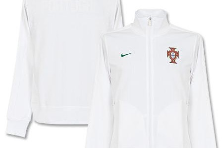 This is the white Portugal N98 track jacket, a jacket for the Portuguese national football team and its fans by Nike ahead of Euro 2012. This white Portugal N98 jacket...