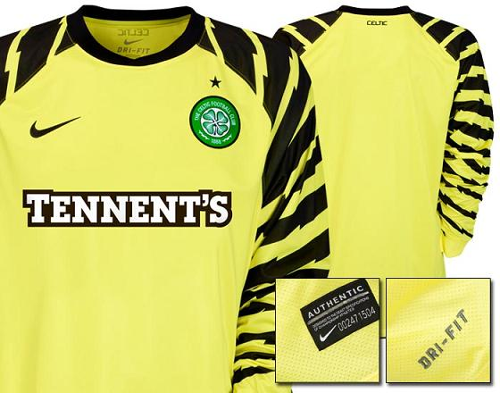 Celtic 10-12 Goalkeeper Kit Home Nike