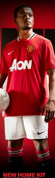 Evra Manchester United Kit 2011-2012