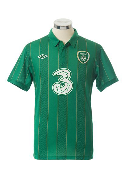 New Ireland Soccer Jersey 2011-2012