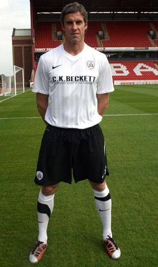 Barnsley Away Shirt 2011