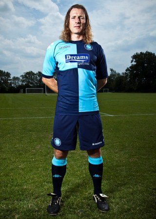 New Wycombe Wanderers Home Kit 11-12