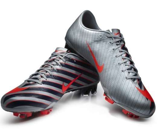 New Cristiano Ronaldo CR7 Cleats- Nike Mercurial Vapor Superfly III
