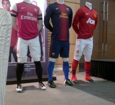 2013 on 2013 Leaked Nike New Arsenal Home Kit 12 13   Football Kit News  New