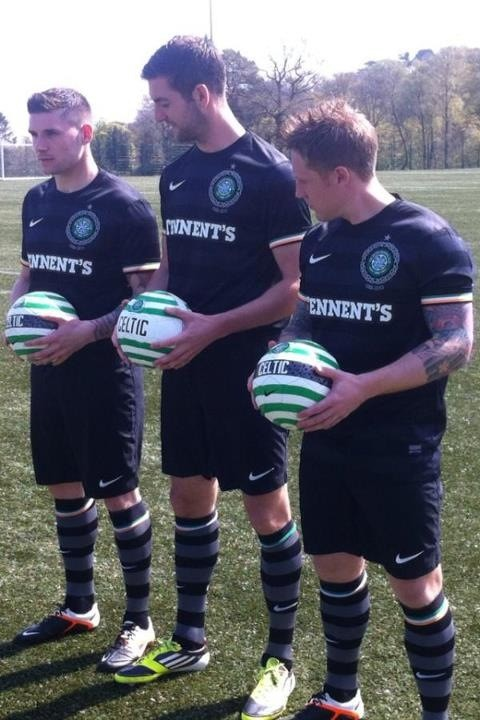 Celtic Away Strip 12-13
