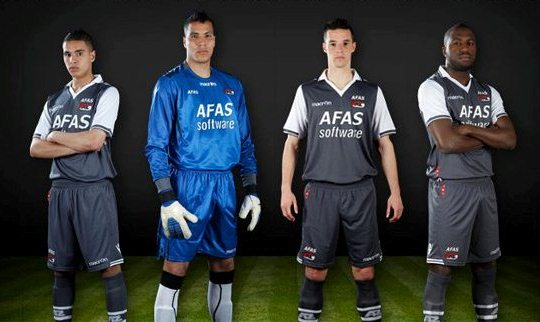 AZ 2012 13 Away Kit