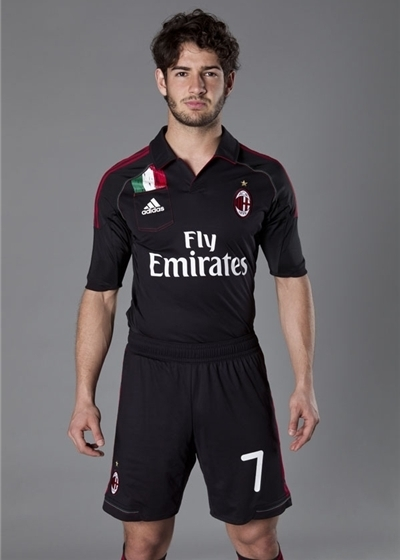 Alexandre Pato AC Milan Football Strip 2012