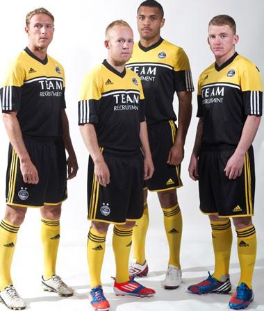 Gold Aberdeen Strip 2012 13