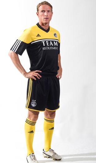 New Aberdeen Away Kit 12 13