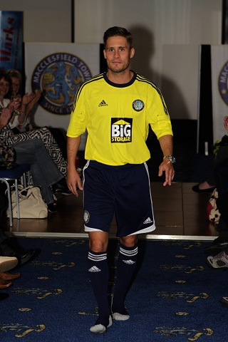 New Macclesfield Town Kit