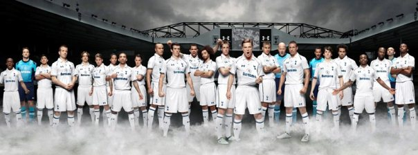 Tottenham Team Photo Kit 2012