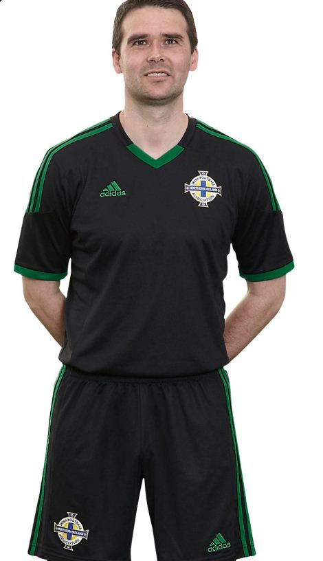 Black Northern Ireland Football Shirt 12 13