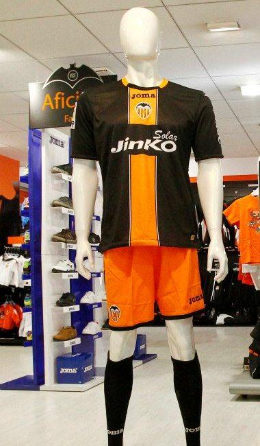 Valencia Third Kit 12 13