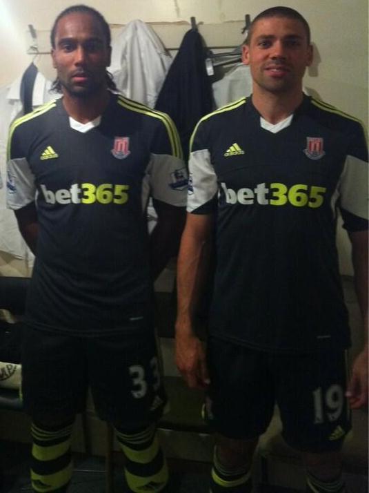 New Stoke Away Kit 13 14