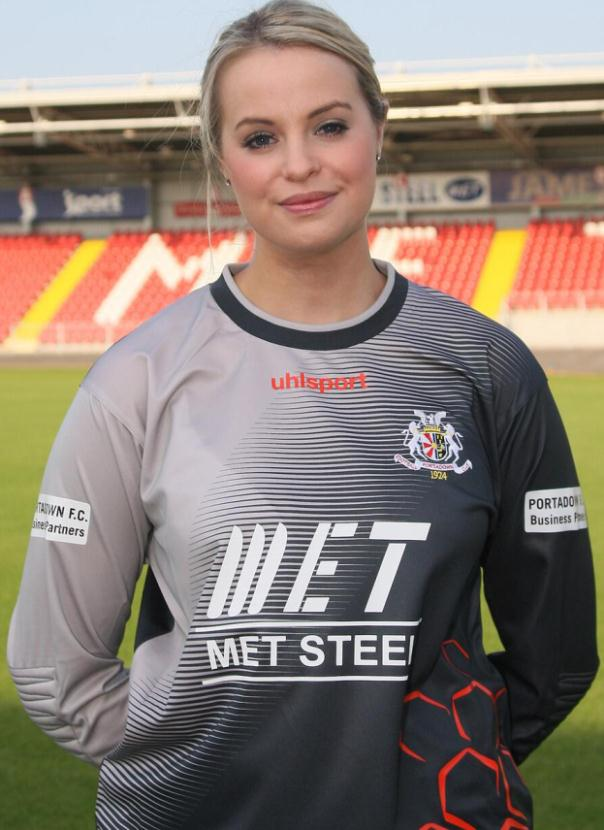New Portadown Goalkeeper Kit 13 14