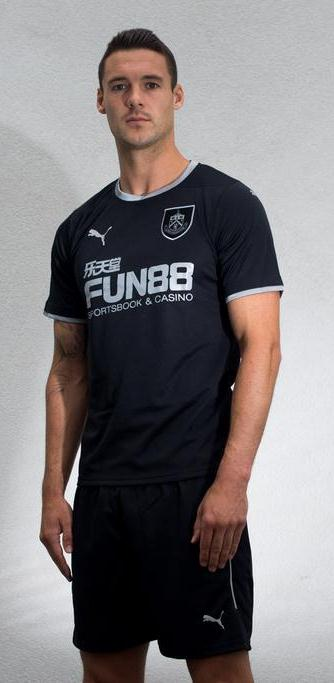 New Burnley Away Kit 14 15