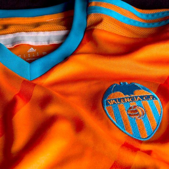 Valencia Away Kit 14 15