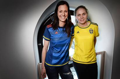 Sweden Womens Football Shirt 2015