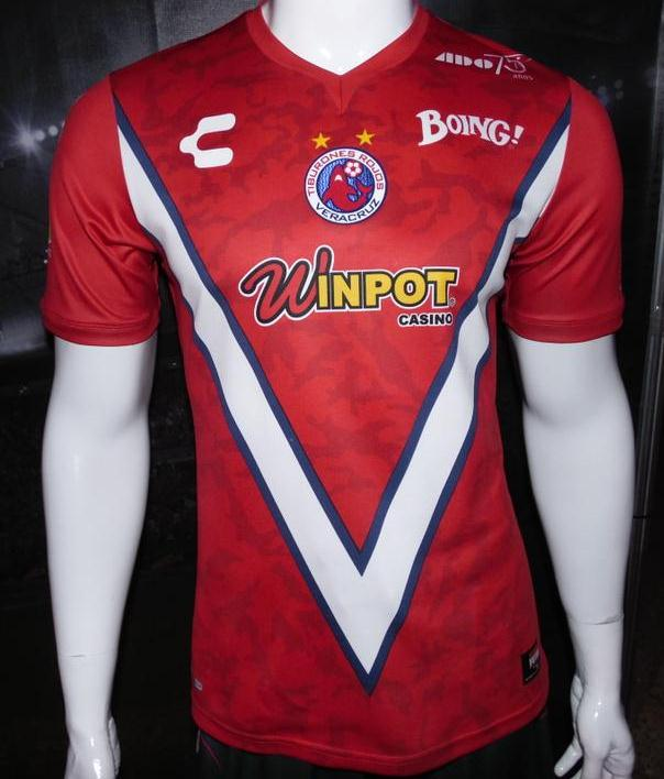 New Veracruz Jerseys 2015- Club Tiburones Rojos Charly Futbol Kits 2015