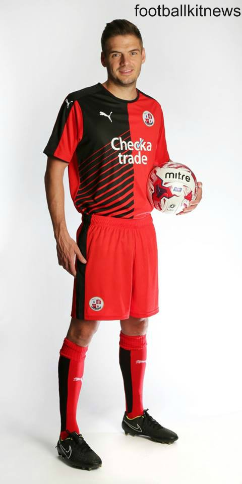 Crawley Town Home Kit 2015 16