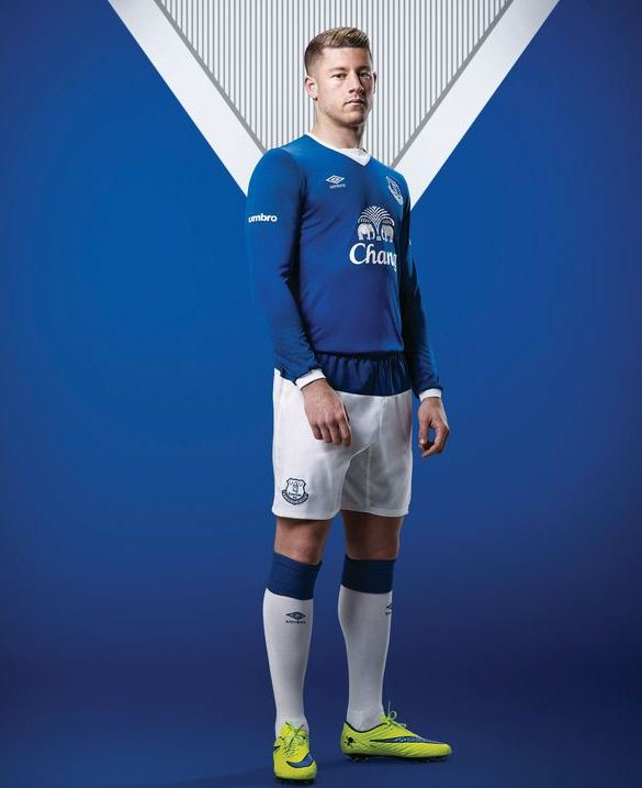 Everton Umbro Kit 15 16