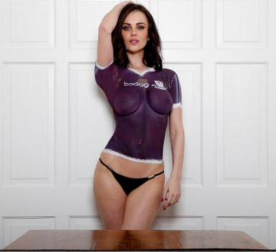 Model Body Paint Football Kit
