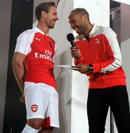 Nacho Monreal Thierry Henry Arsenal Kit Launch 2015 16