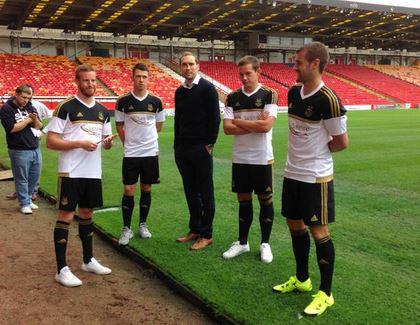 New Aberdeen Away Strip 2015 16