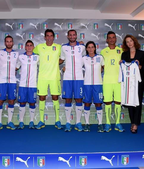 Italy Away Strip 2015 16