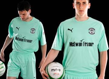 New Hibs Away Kit 2010