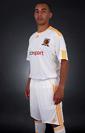Hull Away Strip 2010-11