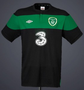 New Ireland Away Soccer Jersey 2011/12