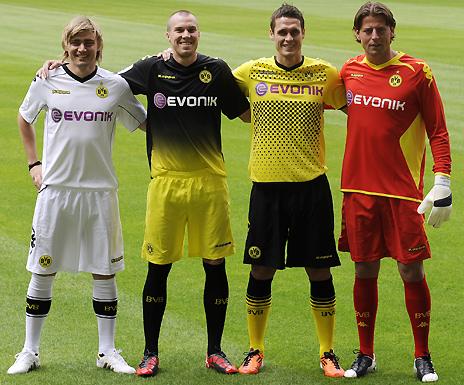meet 0bb14 c2c62 Kappa Borussia Dortmund Home Kit 11/12 & Away Shirt 2011/12 ...