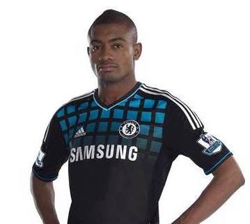 Kalou Chelsea Away Strip 2011-2012
