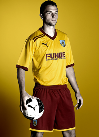 New Burnley Away Kit 11-12
