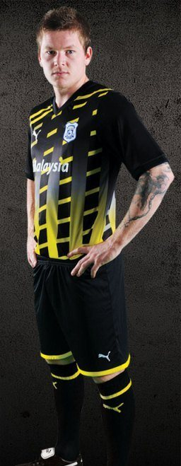 Black Yellow Cardiff City Jersey 2012