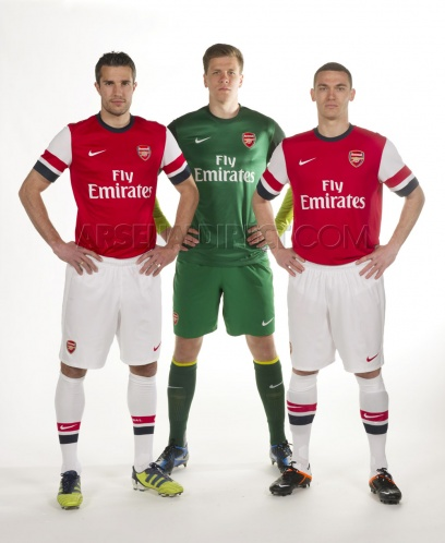 New Arsenal Goalkeeper Kit 2012-2013- Nike Arsenal Home GK Shirt 12 ... c7d4fe8f2