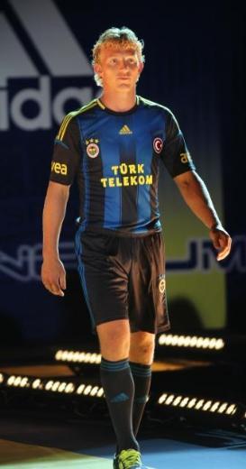 Dirk Kuyt Fenerbahce 2012 Kit