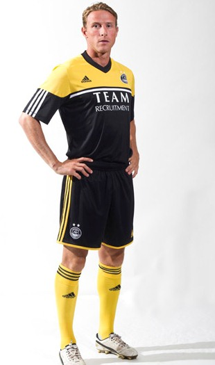 New Aberdeen Away Kit 12 13