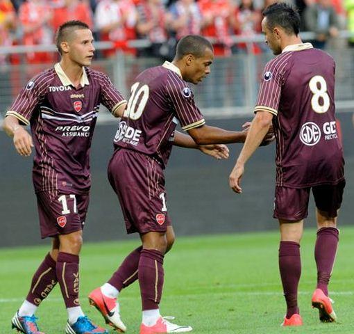 Valenciennes Away Kit 2013