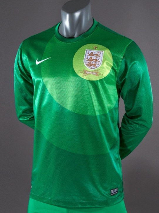 72e121cd3 New England Home Goalkeeper Shirt 2013-14 Nike Green Joe Hart ...