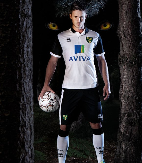 White Norwich Away Shirt 2013 14