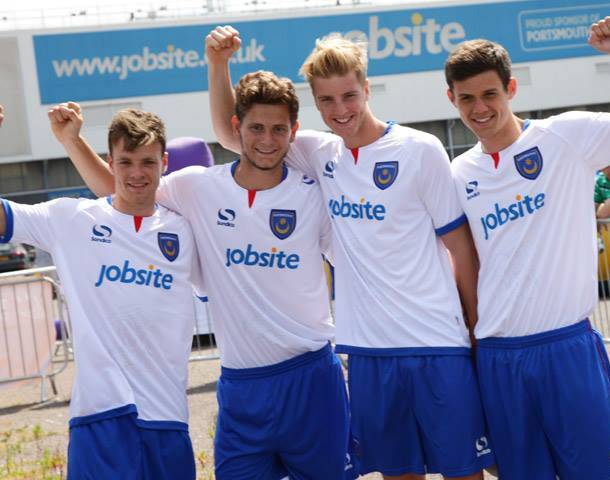 White Pompey Kit 2013 14