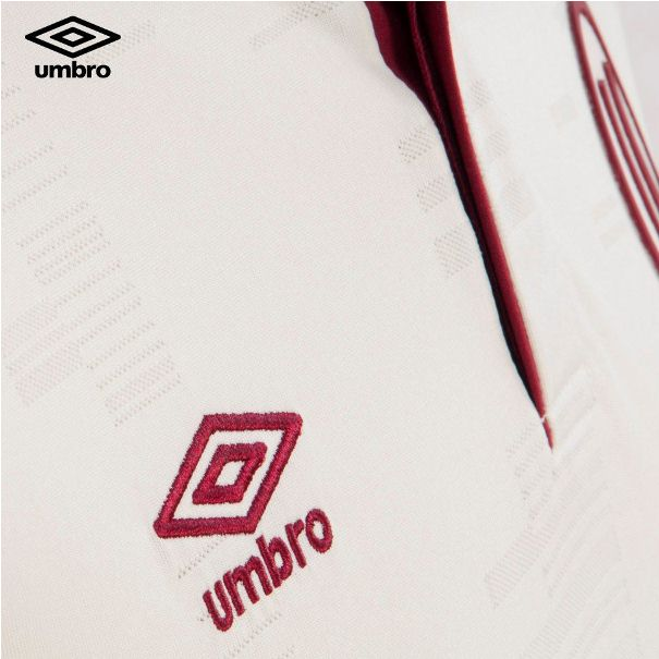Universitario Kit 2014
