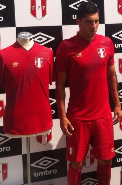 Peru Away Soccer Jersey 14 15