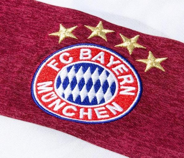 FC Bayern Crest
