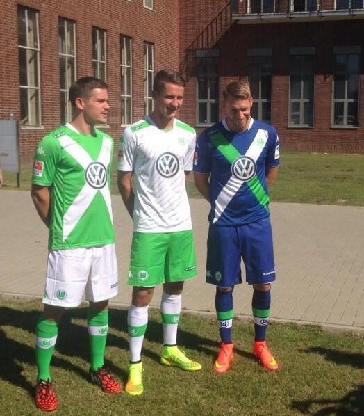 VFL Wolfsburg Trikot 14 15