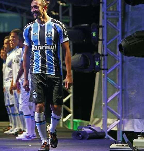 New Gremio Football Shirt 2015