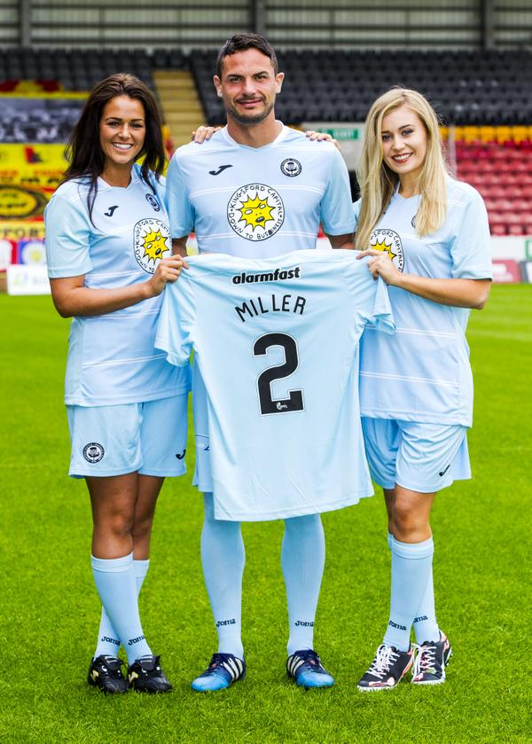 Partick Thistle Away Kit 15 16