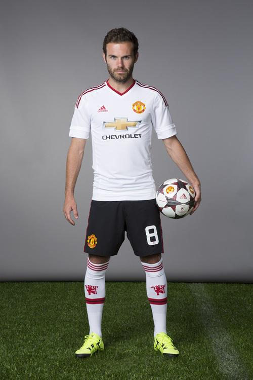 Juan Mata Manchester United Away Kit 2015 16